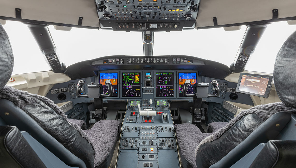 2011 CHALLENGER 605 For Sale
