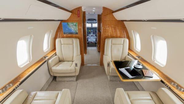 2011 CHALLENGER 605 S/N 5834 interior