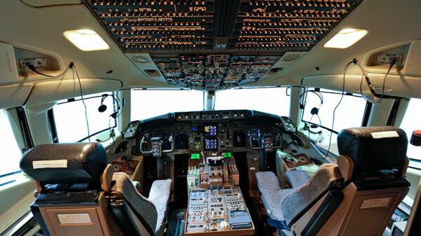 bbj cockpit