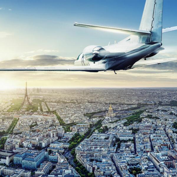 aircraft arriving in Paris
