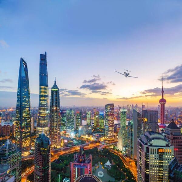 jet arriving in Shanghai